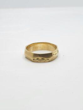 טבעת נישואין זהב צהוב 14 קראט מט וחריטות gre124